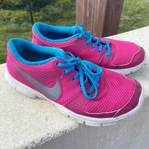 Size 8.5 nike sneakers